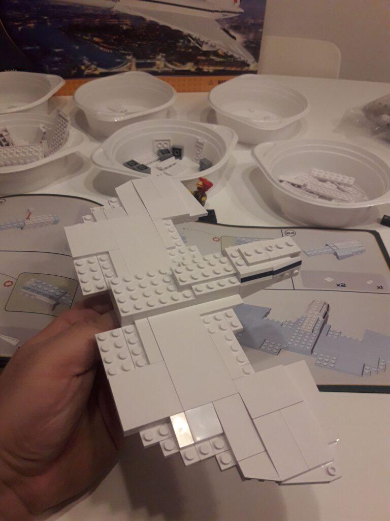 Weiße Bird of Prey von Cobi in Bauschritt 26.