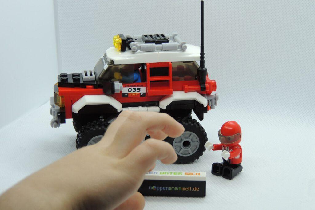 Der Lego-Mann hockt drin und Langfinger tauchen auf.