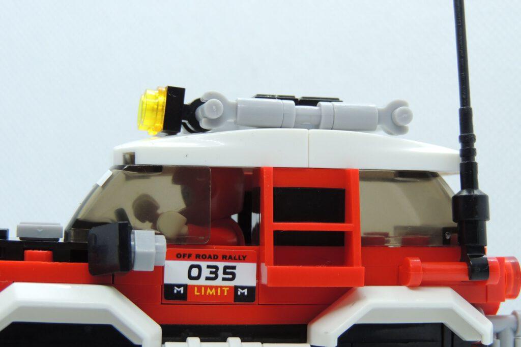 Seltsam das... Jetzt passts mit dem Lego-Helm.