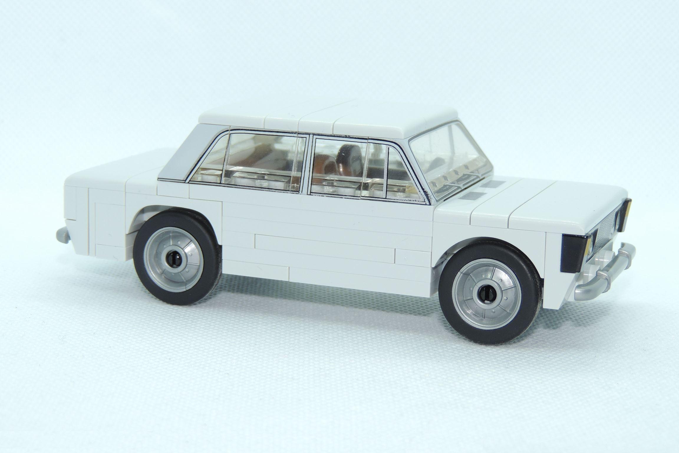 Tatsache, ein grauer Polski Fiat.