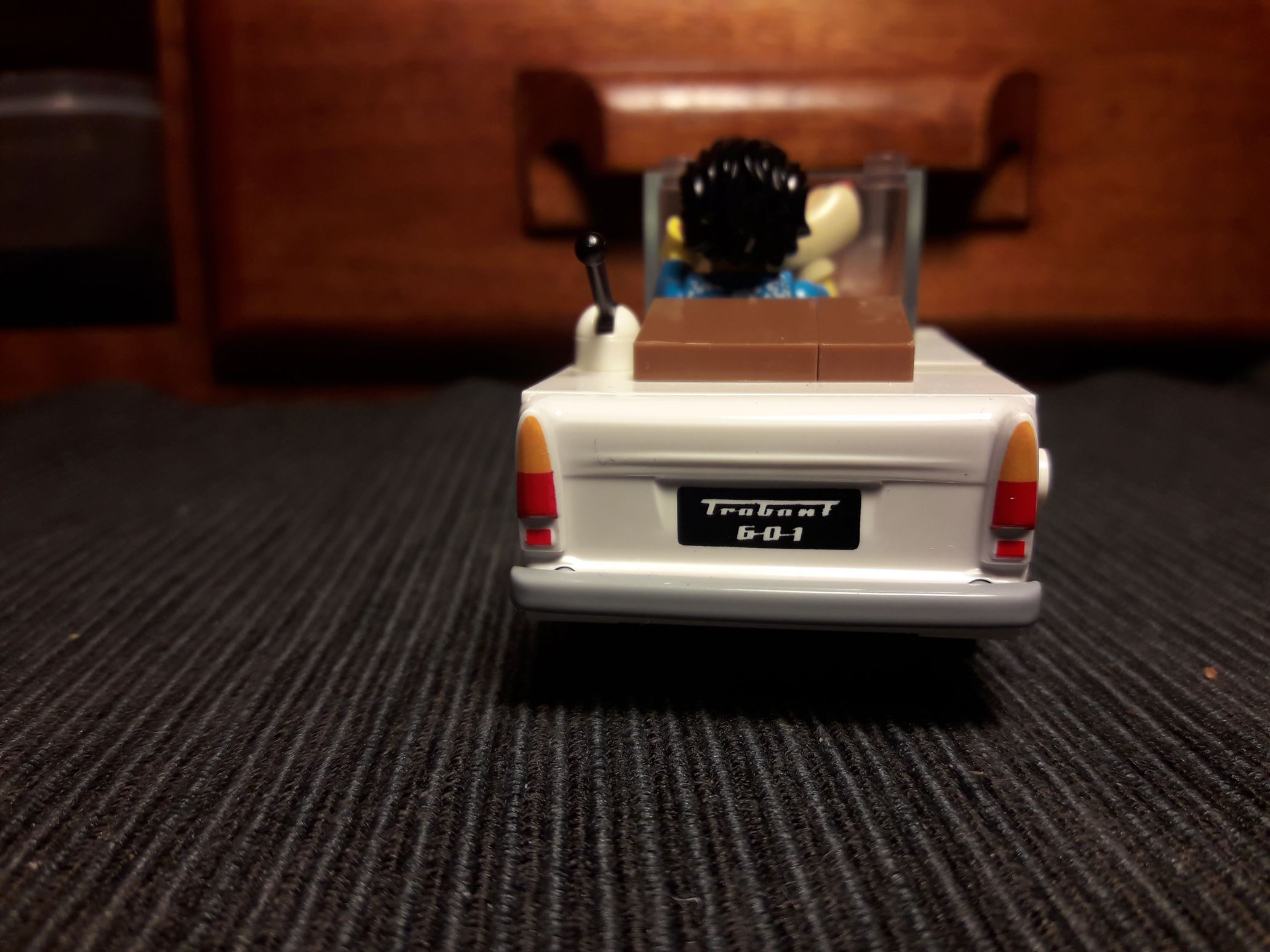 Der Roadster soll eine Fusion von klassischer Bauweise mit der Youngtimerreihe darstellen.