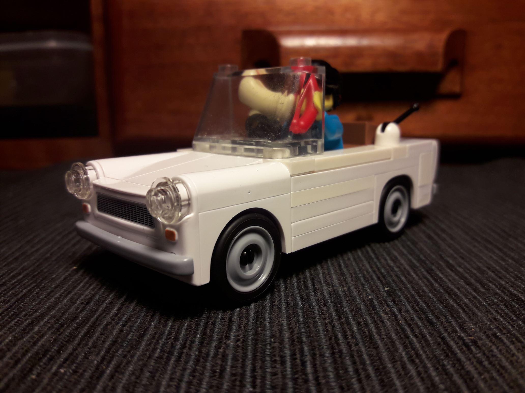 Larry und der Trabant Roadster im Classic-Style.