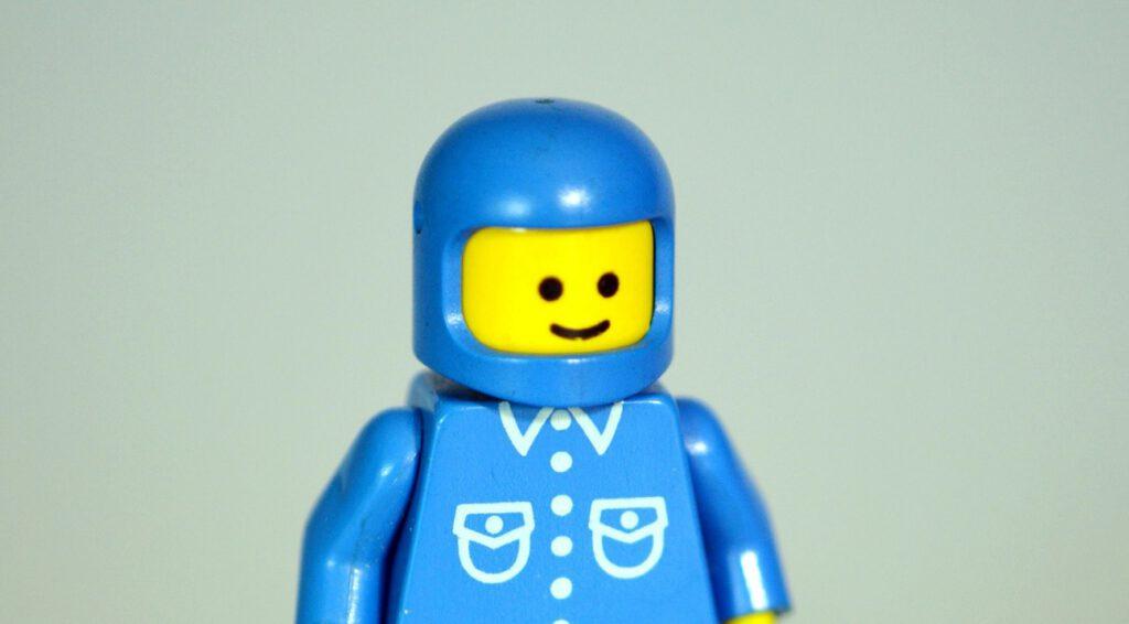 Helm nach Bauart 78 (Lego).