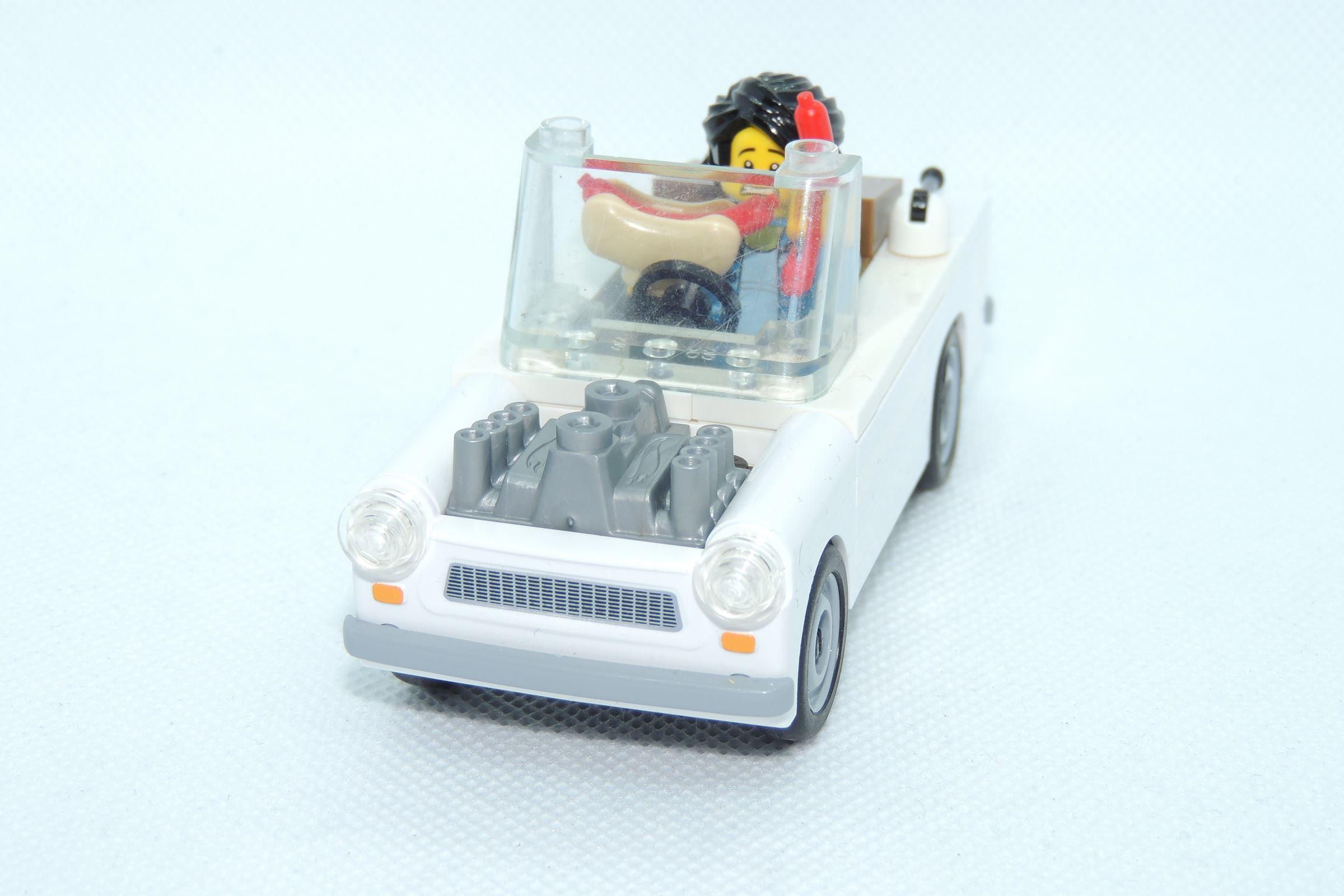 Trabant Roadster mit einem fetten V8er - Zweitakter braucht keiner.