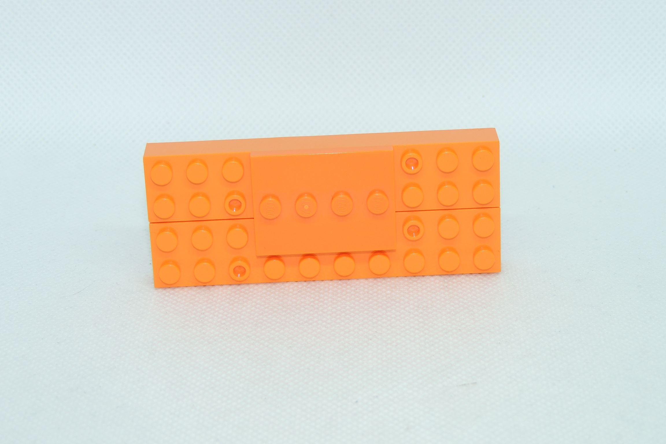 3×4 Tile Modified (die aus dem EU-IPO-Verfahren) von Lego und 2×10 Bricks von Oxford.