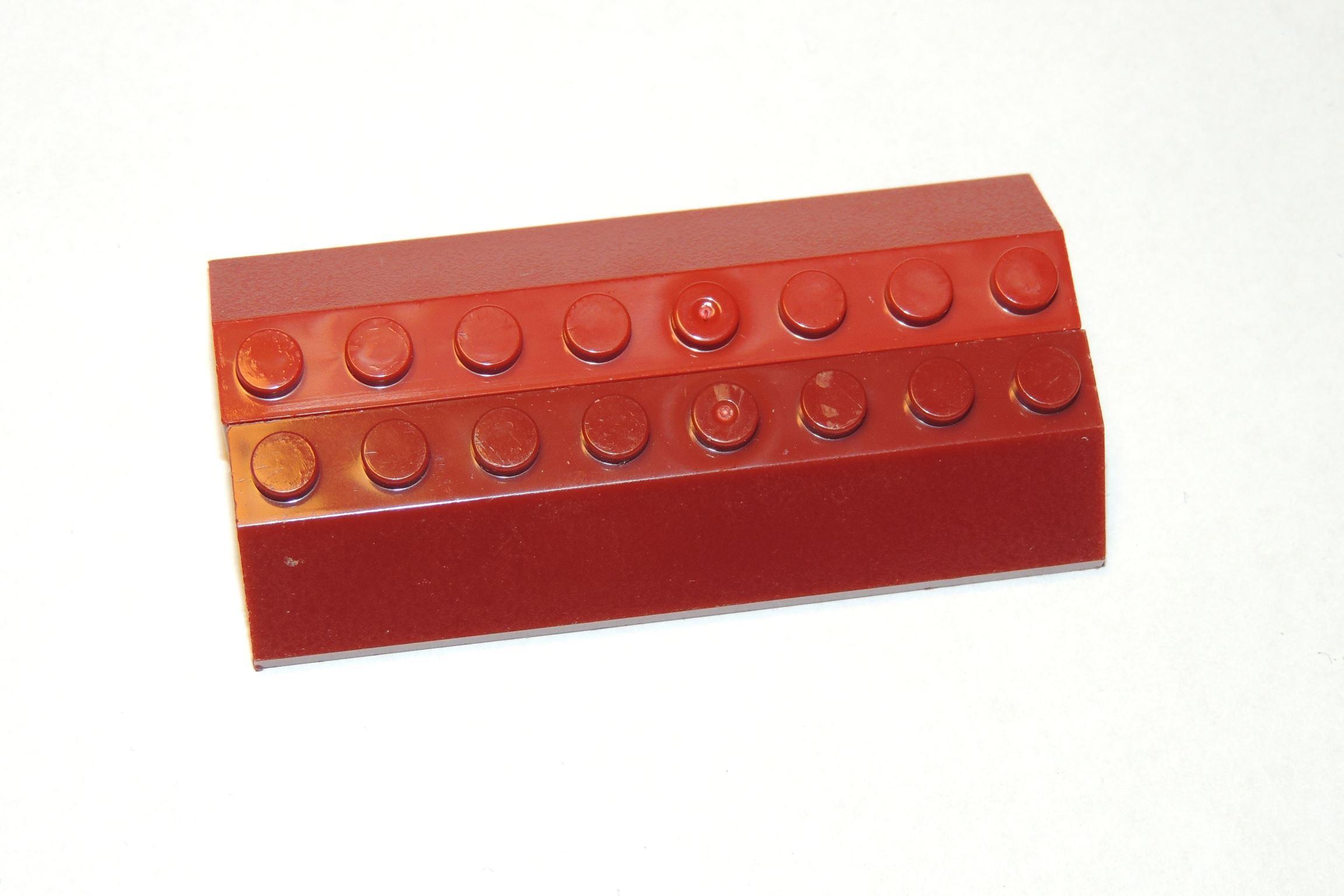 Dark Red folgt dem Prinzip der neuen dänischen Farbtreue.