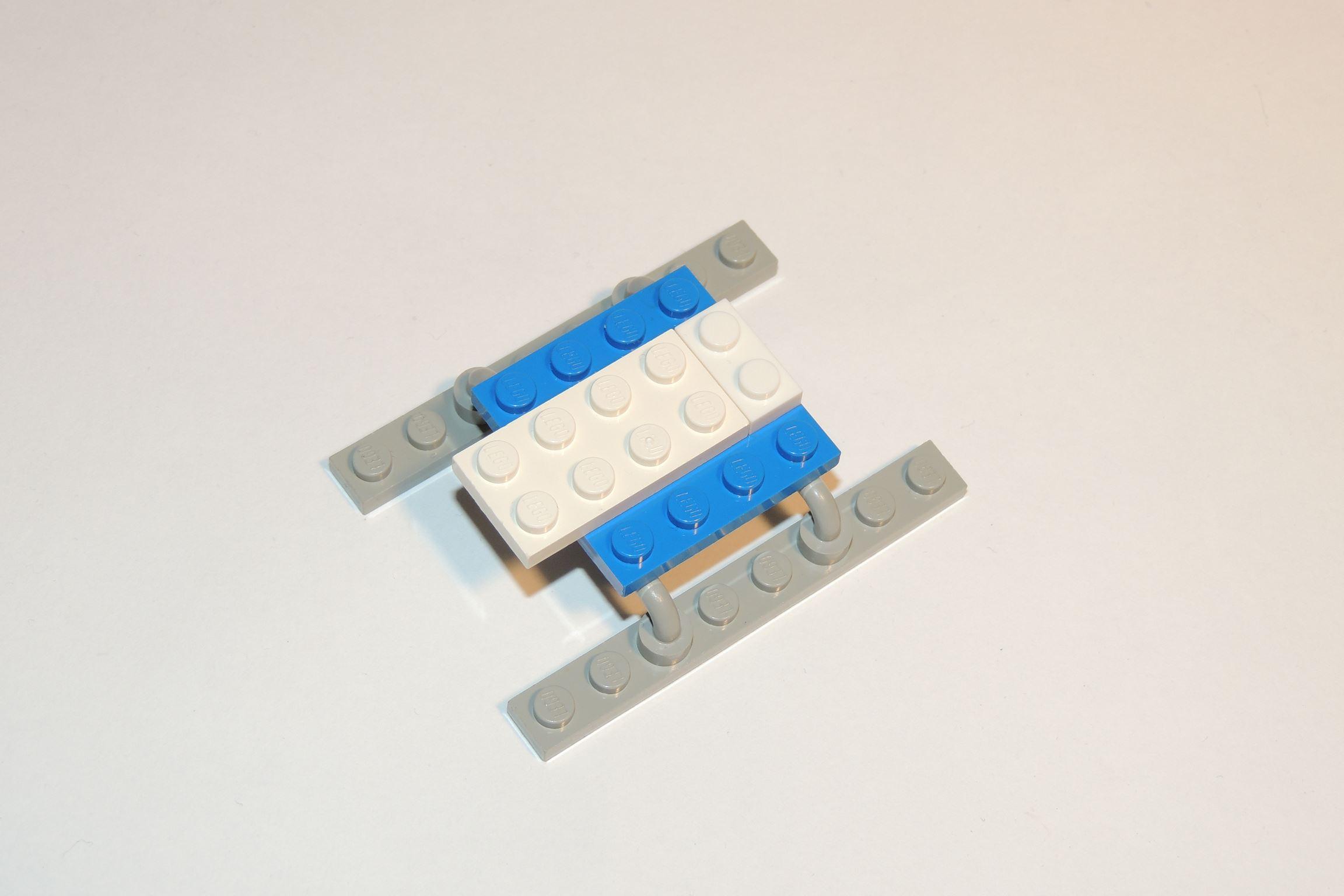 1×2 Plate in weiß von Steinchenexpress (Heli BS 3).