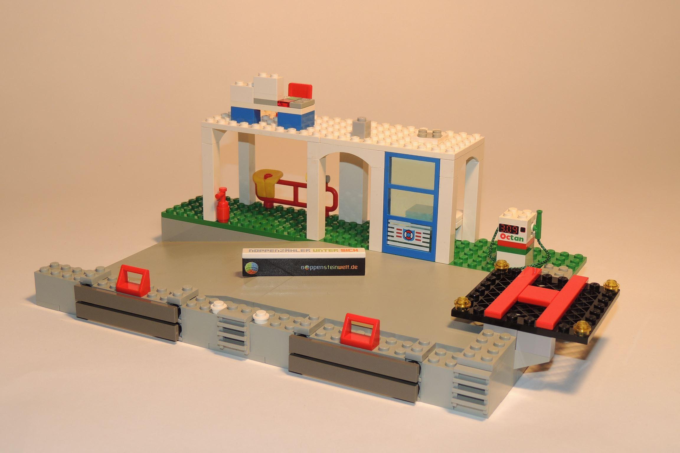 Der rote Feuerlöscher ist komplett von Gobricks, der graue 1×1 Brick von Steinchenexpress. Und viel mehr.