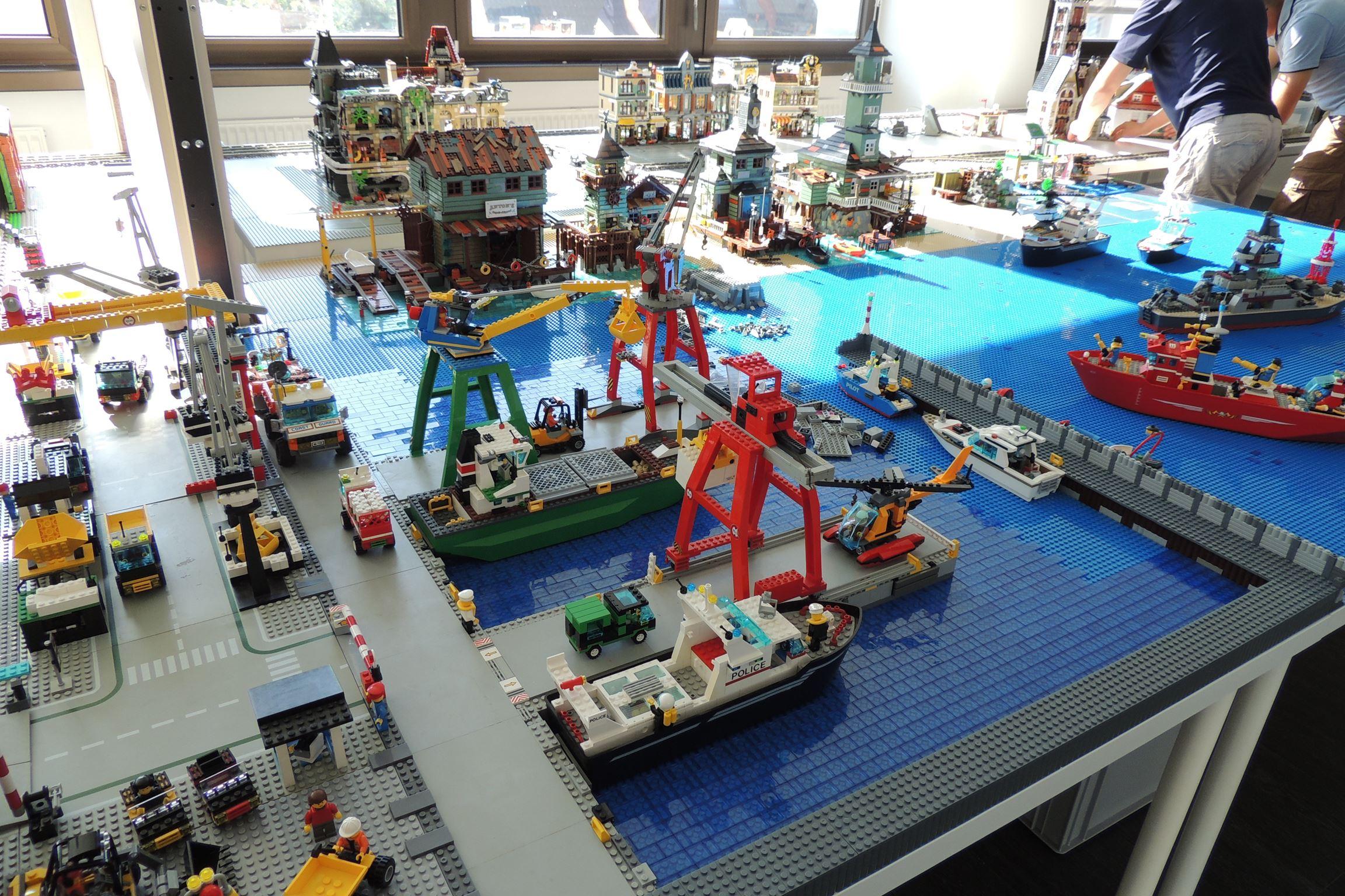 Zweiter Teil, die Hafenlandschaft.