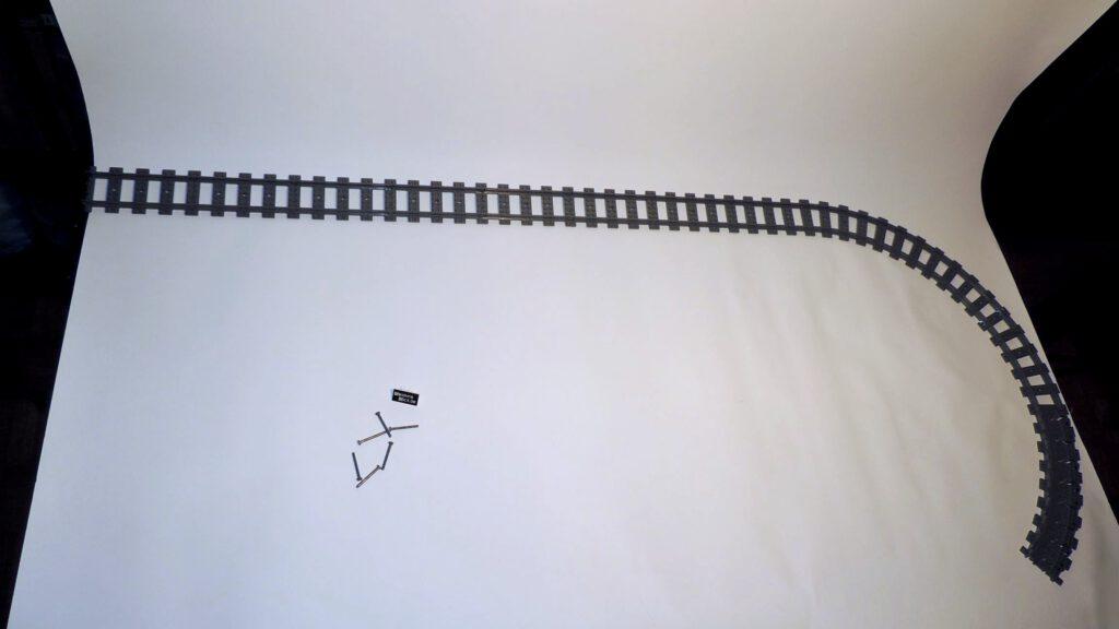Alle Legogleisteile auf einem Bild zusammen verbaut samt der Lagerpins.